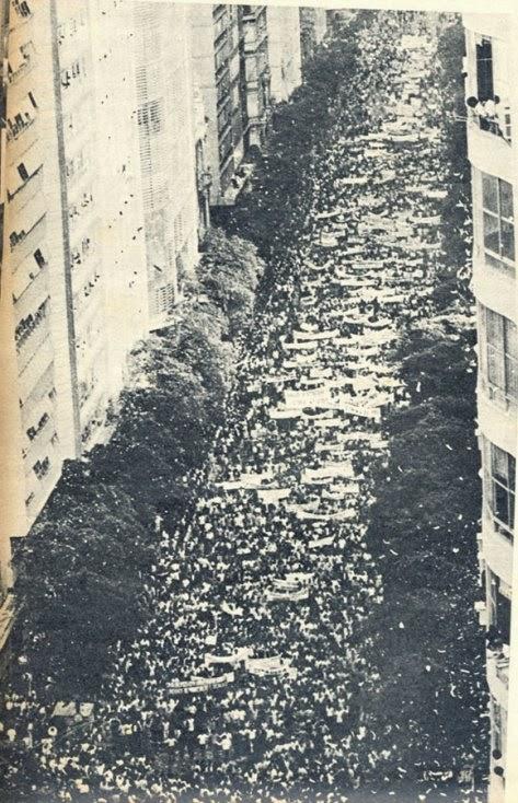 passeata dos cem mil - Rio de Janeiro (1)