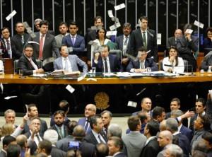 Camara-Admissibilidade-Temer-Plenário-RodrigoMaia-Dinheiro-Pixuleco-FotoSergioLima-02ago2017